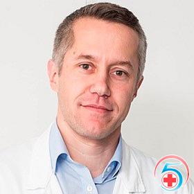 Бурмистров - врач наркологической клиники Квинмед