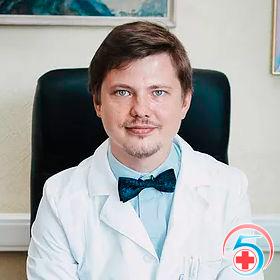 Коренский - врач наркологической клиники Квинмед