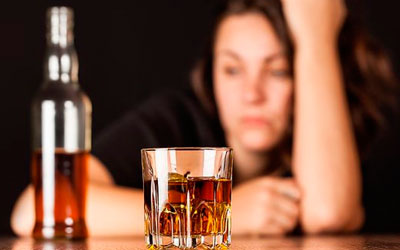 Cтрадающие алкоголизмом себя больными не считают - Квинмед