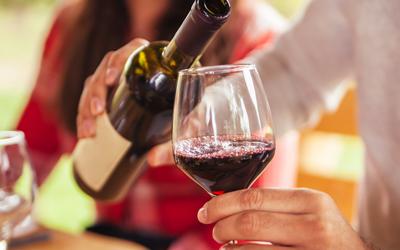 После проведения процедуры не следует сразу пробовать алкоголь - Квинмед