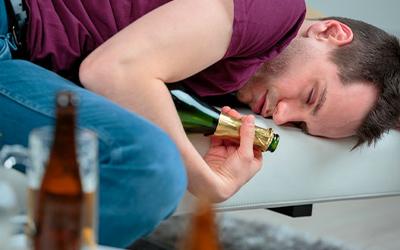 Абстинентный синдром при алкоголизме - Квинмед