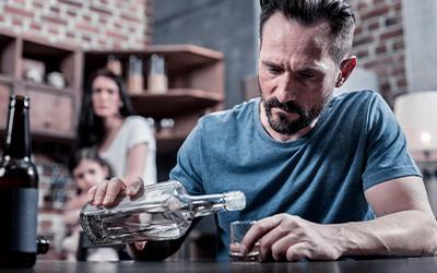 Алкоголик в семье - Квинмед