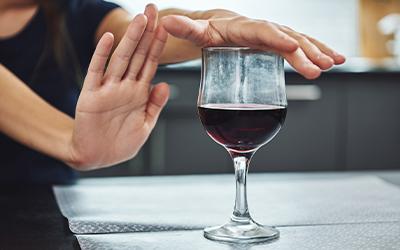 Запрещенные действия при алкогольном отравление - Квинмед