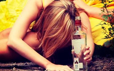 Алкоголизм среди подростков - особенности проблемы - Квинмед