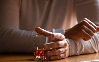 Особенности выведения алкоголя из организма - Квинмед
