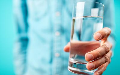 Выпить стакан подсоленной воды - Квинмед